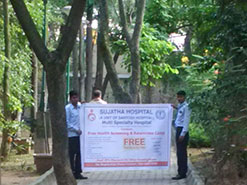 Morning activity in Indira nagar by hospital